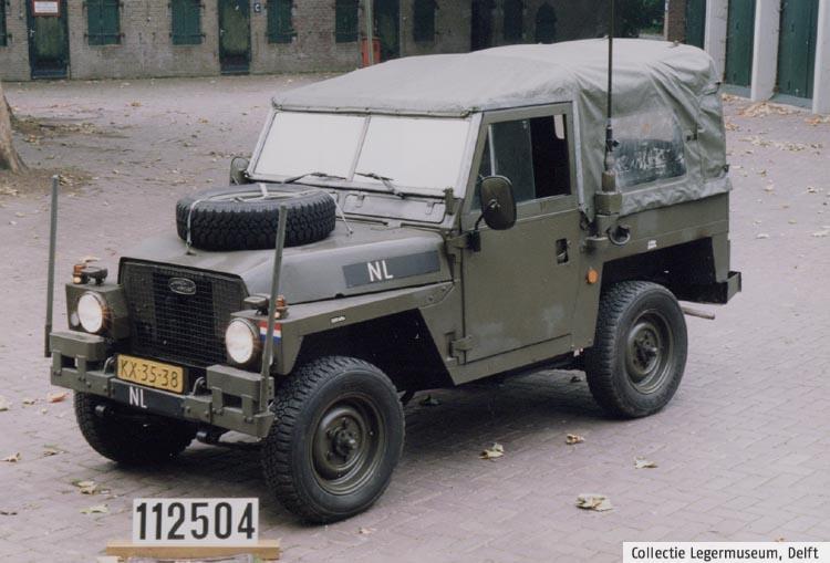 """Land-Rover 88"""" Lightweight ze sbírek muzea v Delft"""