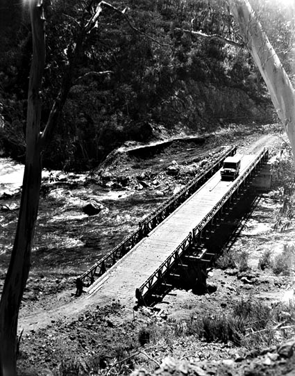 Bailey Bridge u Tumut Pond v r. 1951 - zdroj: NAA 4441449