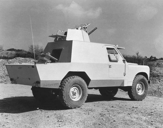 Shorland Mk. 2 při reklamním focení pro Střední východ