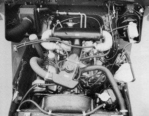 Motorový prostor Land-Rover 109 V8